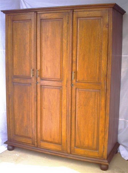 Roperos y placares carpinteria restauracion for Roperos de madera para dormitorios
